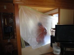 防蟻工事の為点検口より床下から入る
