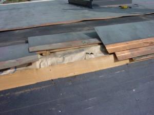 屋根材を剥がしたルーフィングです