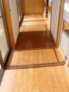 色あせて来た新建材の床