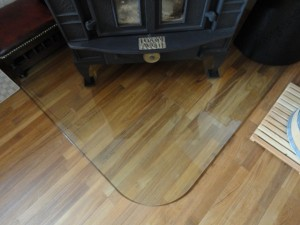 薪ストーブ、ガラスの炉台