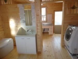 キッチンと洗面、トイレがひとつに