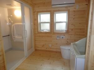 洗面、トイレ、座シャワー西断熱リフォームをしました