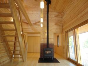 木の家と薪ストーブ