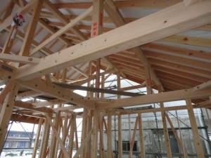柱、梁、垂木に桧を使った総桧の家
