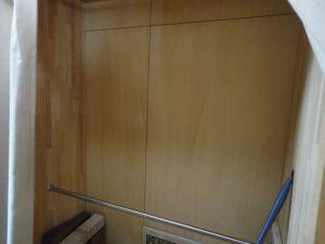 棚を取付前のクローゼットの収納