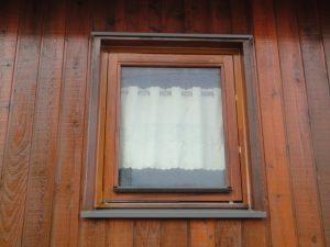 塗装リフォーム後の窓