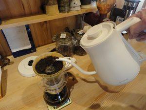 ケトルでそのままドリップコーヒー