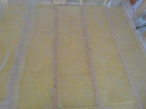 断熱材を入れ気密シートのザバーンを張る