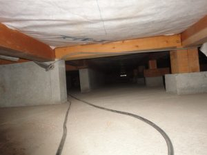 現在の床下です