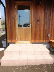 木製サッシマホガニー材のドア