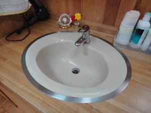 水漏れする洗面台